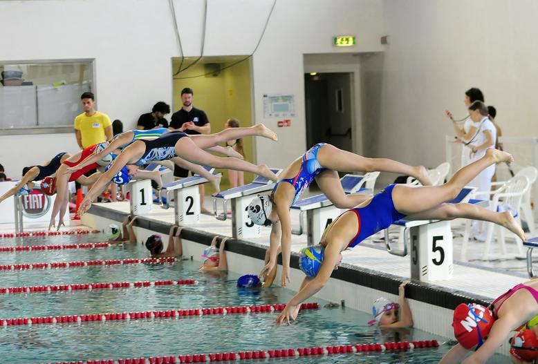 Nuoto gli esordienti aostani si fanno onore a biella - Piscina rivetti biella ...