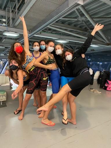 Le atlete dell'Aosta Nuoto domenica scorsa a Torino