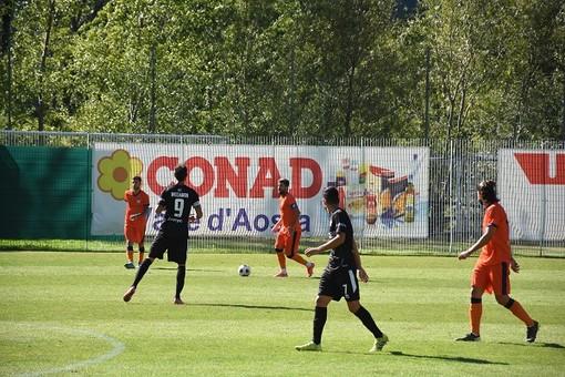 Calcio: Serie D, pareggio a testa alta per il PDHAE con la Caronnese