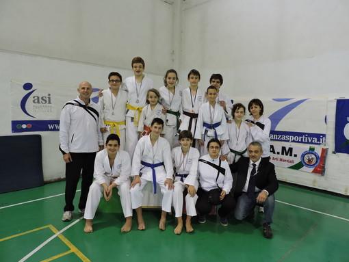 Podio e pioggia di medaglia per il Sakura Karate-Do