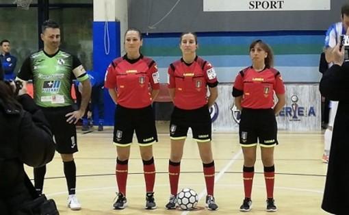 A destra Sara Lucia; al centro l'amica della sezione Aribitri di Aosta, ma iscritta a Biella l'internazionale Chiara Perona; a sx Alessandra Carradori di Roma per lei l'esordio in Serie A di Futsal