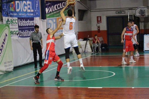 Basket: Serie D, l'Eteila doma il Crocetta e guarda tutti dall'alto in basso