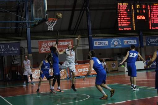 Basket: Serie D, L'Eteila schiaccia il Trino e resta in vetta