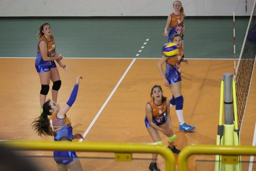 Volley: Serie D; tracollo Ccs Cogne, Fenusma un punto sul fil di lana
