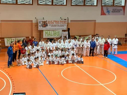 """Arti Marziali: Grande festa per la """"Babbo Natale Cup"""" organizzata dalla a.s.d. Libera Energia Karate"""