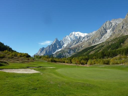 Golf: Al Club Courmayeur et Grandes Jorasses la prima edizione di SKS Golf Cup