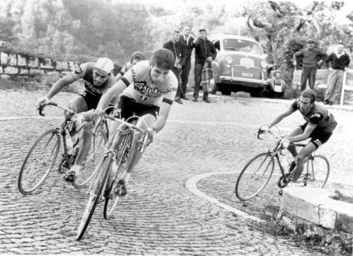 Felice Gimondi in azione al Giro di Lombardia 1966 che poi vinse (Foto Credit: Archivio RCS)
