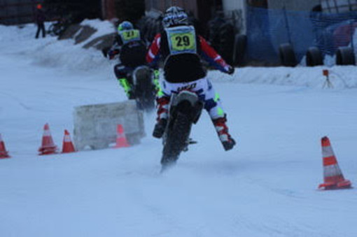 Motociclismo: Ice Trophy; A Pragelato dominano Marco Belli e Alain Dayné