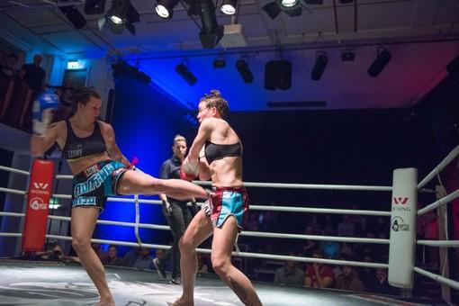 Martine Michieletto (a sn) in azione sul ring