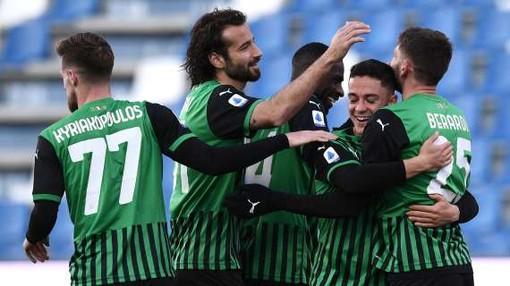 Calcio: Dal 2022-2023 in Serie A vietate le maglie verdi