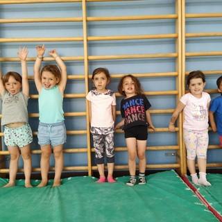 Nelle foto prima lezione del corso di miniginnastica